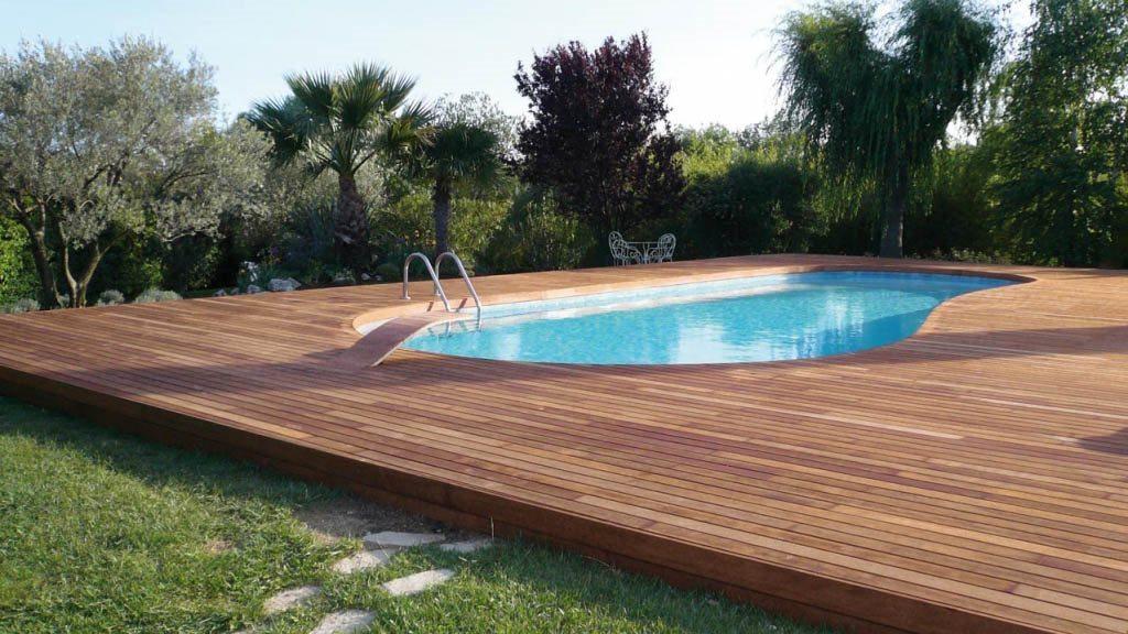 Colocaci n de suelos de madera y tarima para piscina - Tarimas del mundo madrid ...