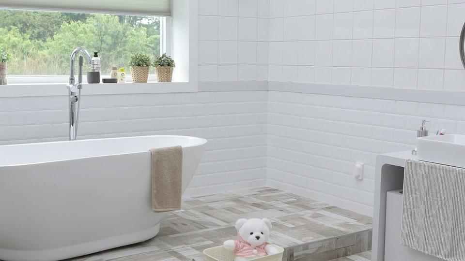 tarima de madera baños
