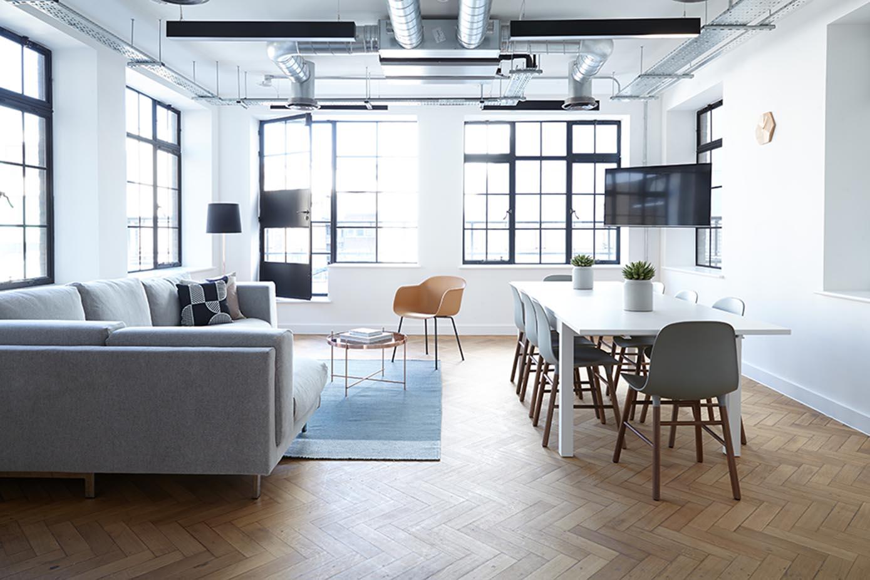 alfombras y tarimas de madera