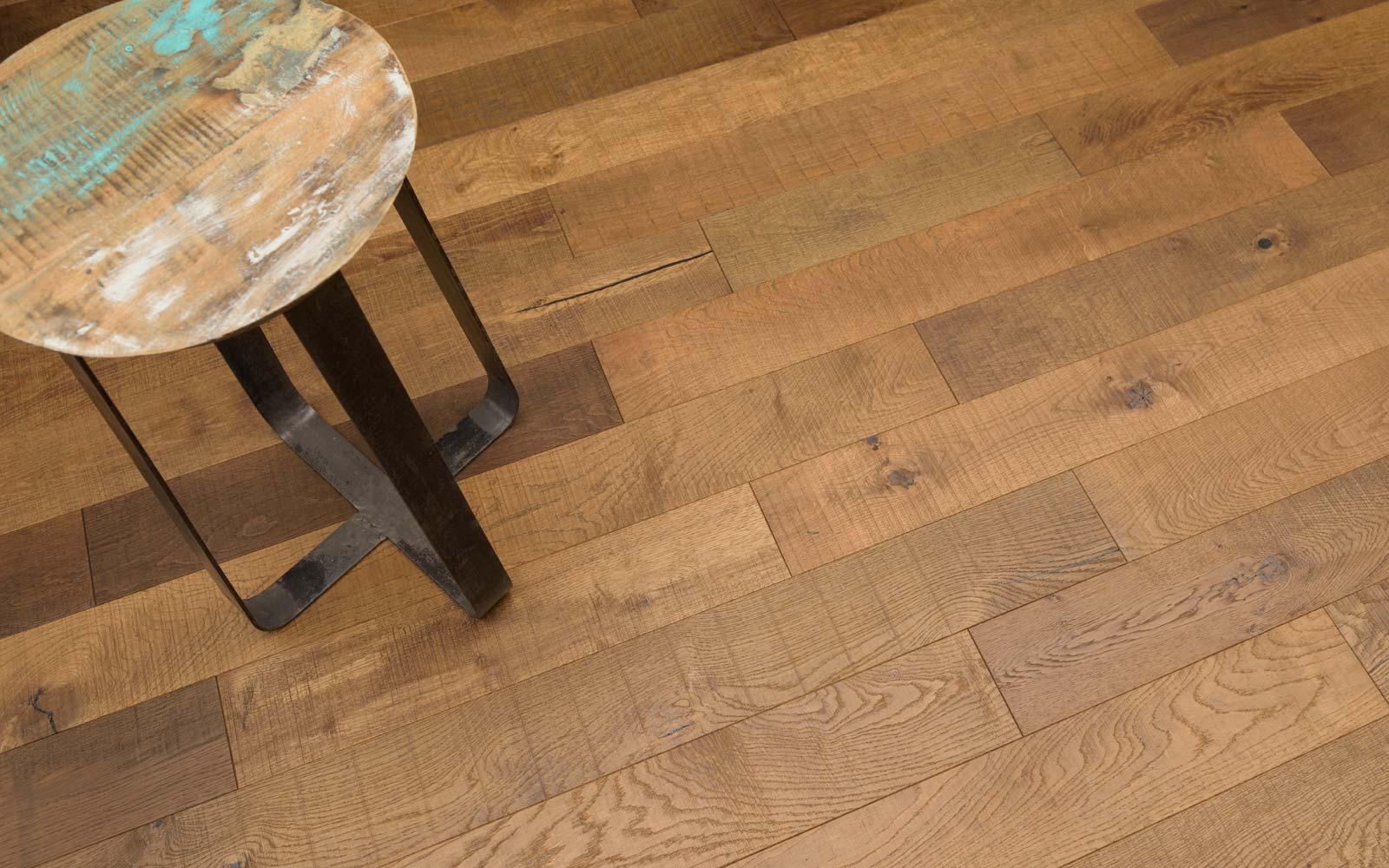 Oak-DuoPlank-sawmark-mat-lacquer-English-brown