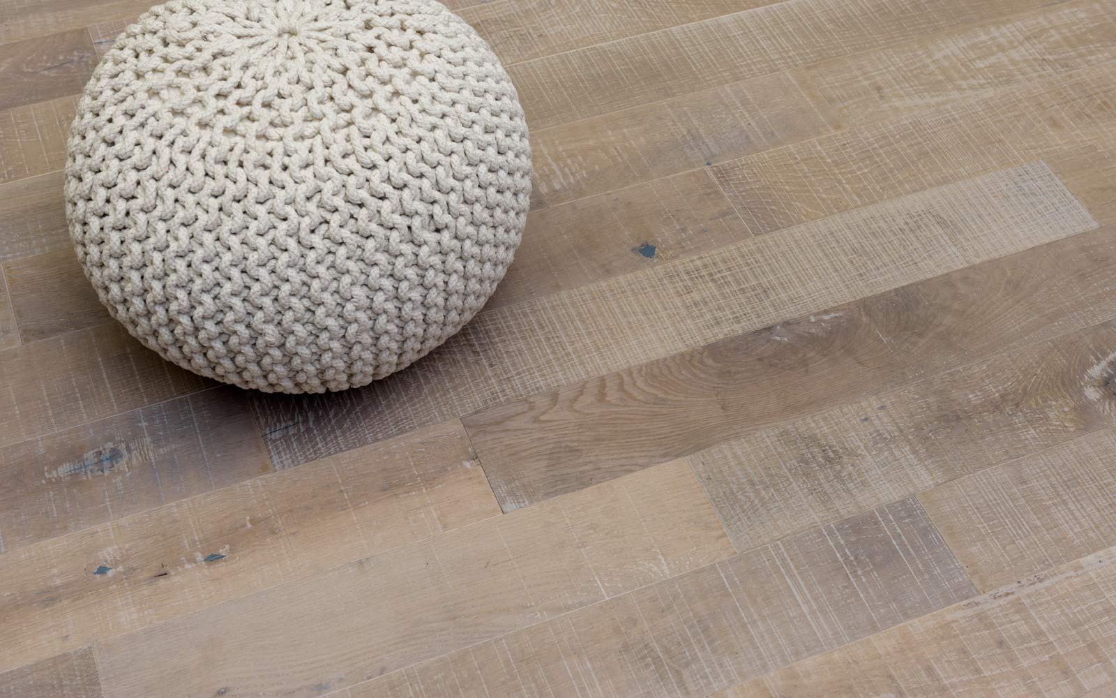 Oak-DuoPlank-sawmarks-mat-lacquer-Toendra